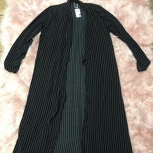 Duster black and white stripe large NWT